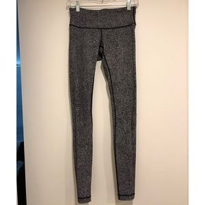 LuluLemon black and white yoga pants 2